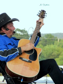 Performing as Garth Brooks - Les Smith | Les Smith